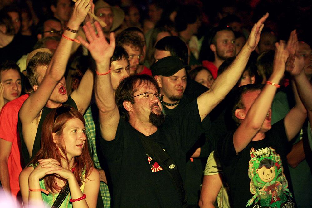 Chceme jako hudebníci po přeplněných lidech, aby se cpali ještě víc?