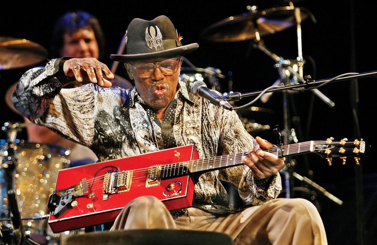 Bo Diddley – Cigar Box Guitar