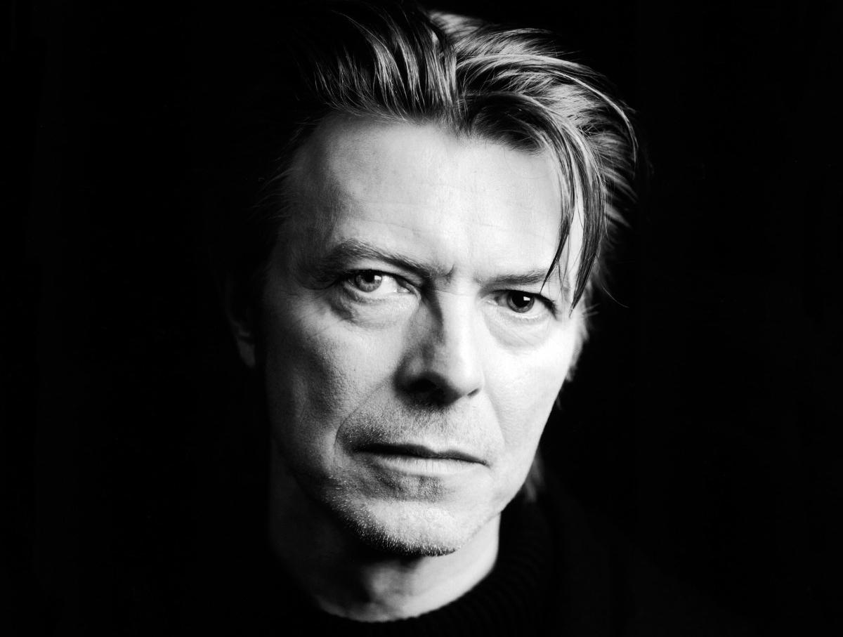 """Nejste David Bowie – svět vám po vydání vašeho """"utajeného"""" alba u nohou ležet nebude"""