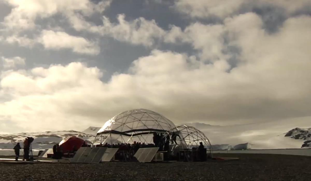 Nejen Metallica hrála na Antarktidě, zdroj: YouTube