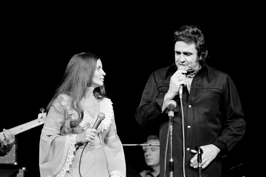 Johnny Cash + June Carter Cash, zdroj: Wikipedie
