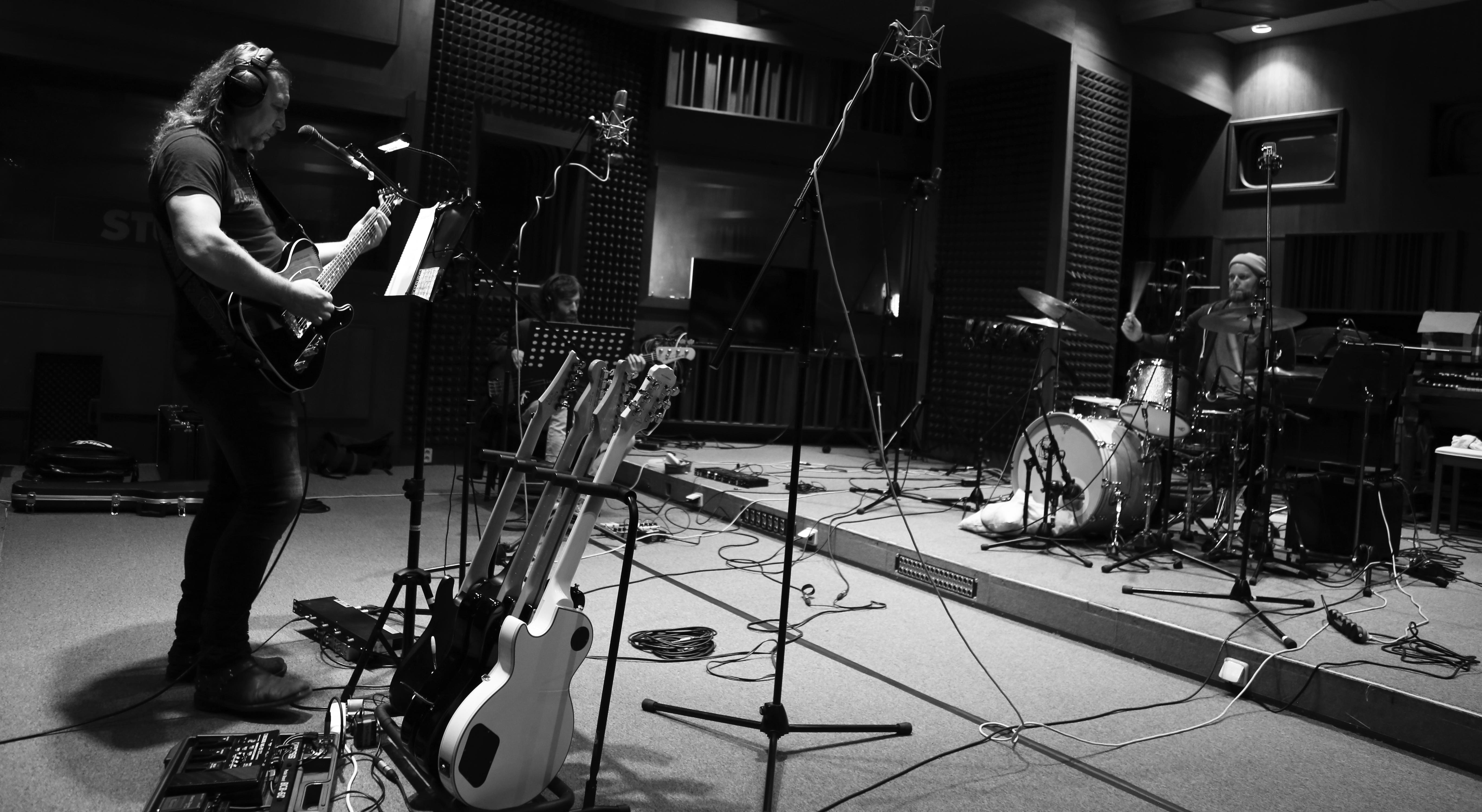 Během nahrávání ve studiu   Foto: Michael Dolejš