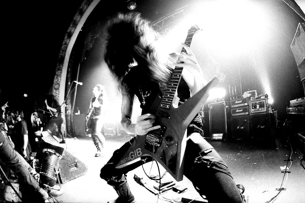 Trey Azagthoth z Morbid Angel, kteří nepodladí níže než do Eb, foto: Wikipedie