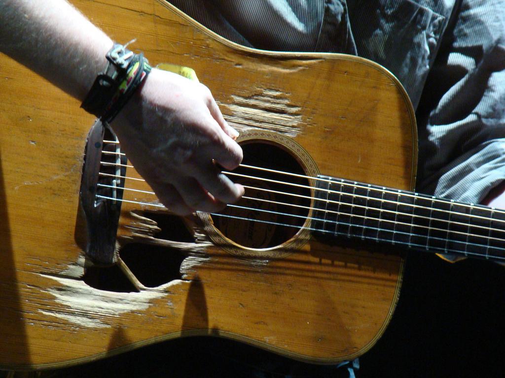 Glen Hansard a jeho kytara