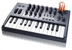 ARTURIA MicroBrute, slušný a dostupný analog