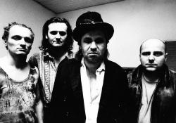 Dunaj (Pavel Koudelka zcela vlevo) dodnes patří k nejvýznamnějším jménům českých alternativních kapel.