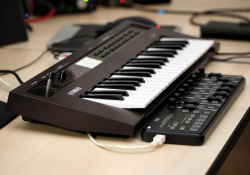 Yamaha Reface DX společně s Korg Nanokontrol2