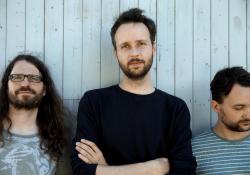 Nové album skupiny Květy se jmenuje Komik do půl osmé (foto: Indies Scope)