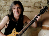 Malcolm Young, zdroj: YouTube