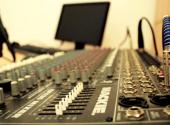 Studentské Radio R v Brně funguje na katedře Multimediálních studií a žurnalistiky, tohle je jeho mix