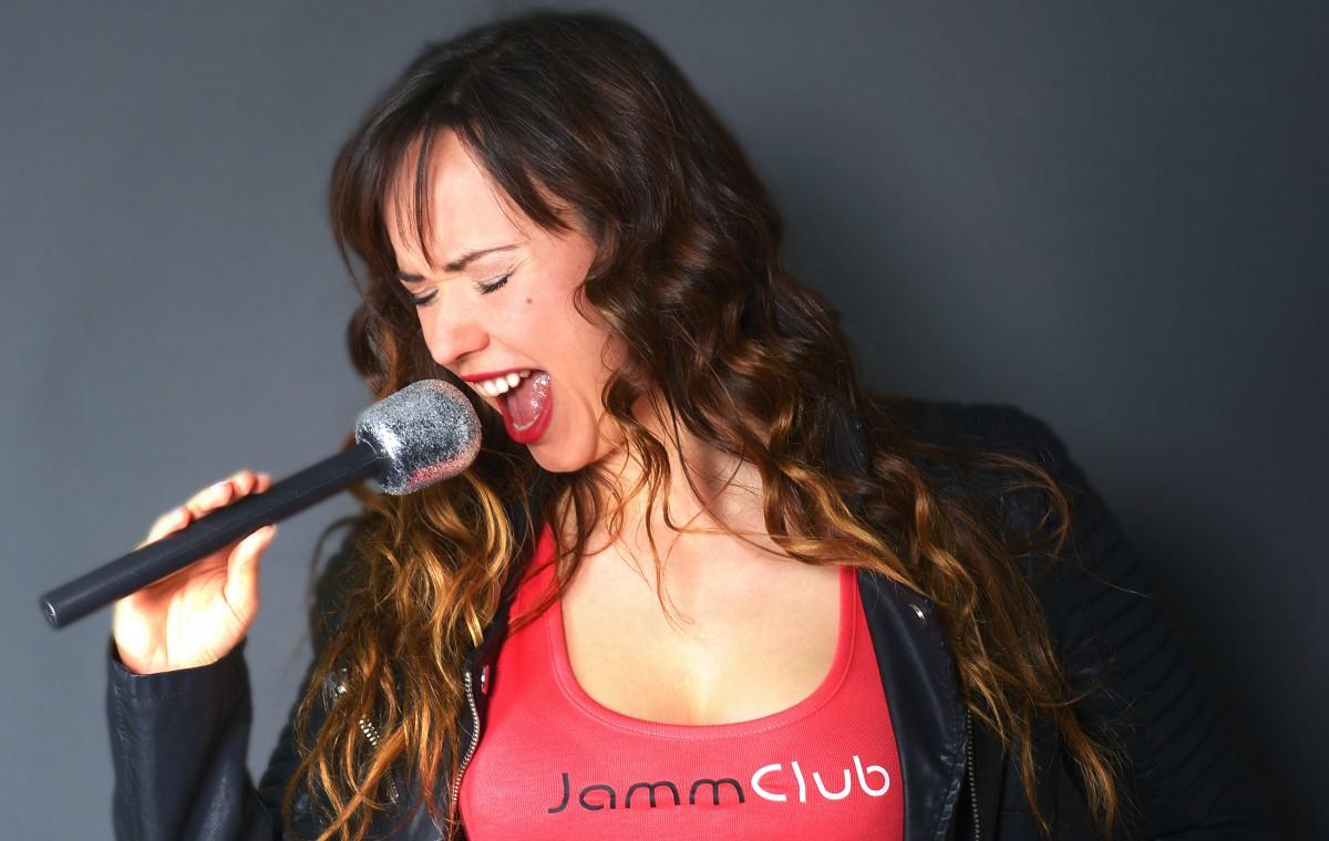 Adriana Holanová, zpívající