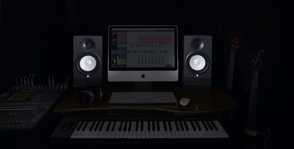 Monitory Yamaha HS5